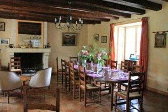 Manoir de Chaix: Dining Room