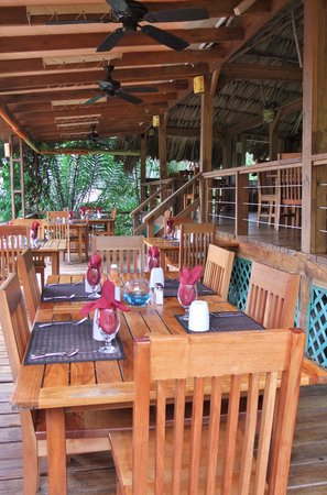 The Quarterdeck Restaurant & Bar: Middle deck seating