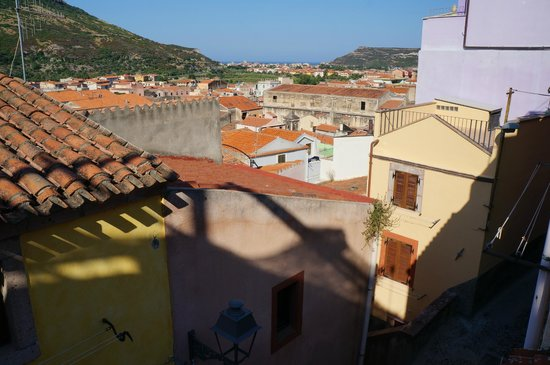 Albergo Diffuso Aghinas : Morningview from upper room in the annex
