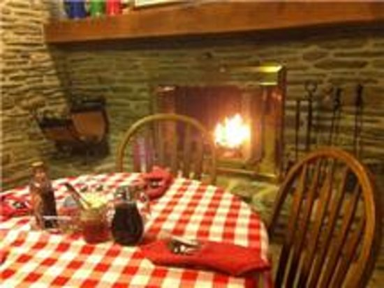 Canna Country Inn: Cozey Breakfast nook