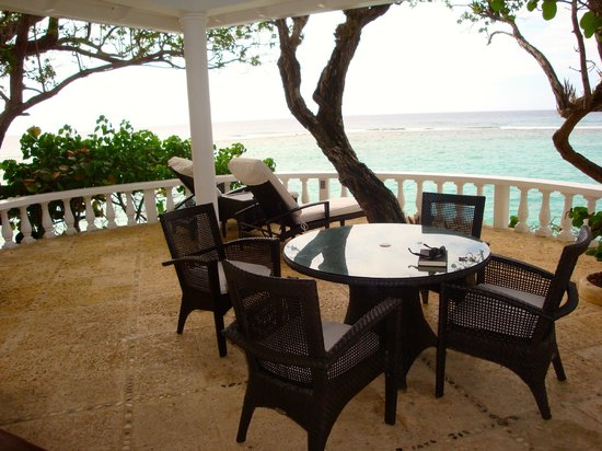Jamaica Inn: Veranda at Cottage 4
