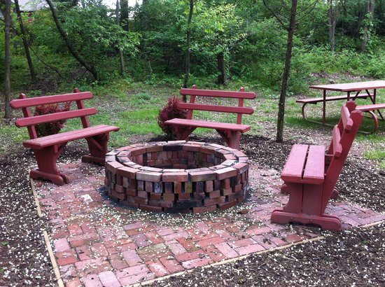 Canna Country Inn: gather around the fire pit