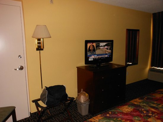 Best Western Milton Inn : flat screen HDTV with DirecTV