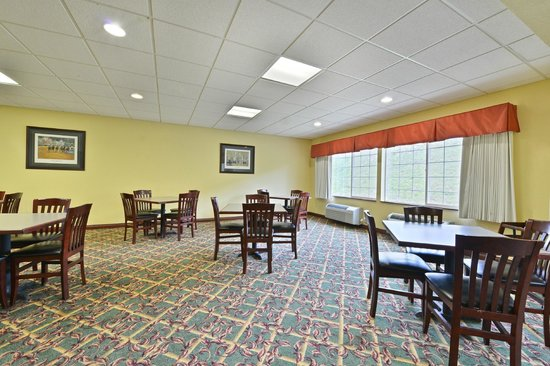 Best Western Lawrenceburg Inn : Join us for Complimentary Breakfast served daily 6-10am.