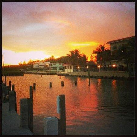 Ragged Edge Resort & Marina: Sunset on the dock