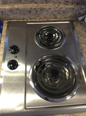 Wild Dunes Inn: Electric stove is so clean & shiny!