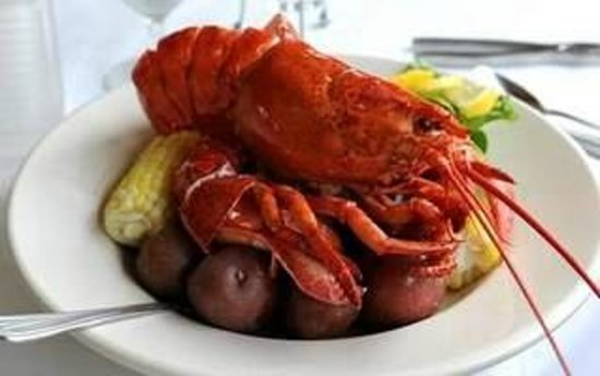 Harbor Fish Market and Grille: Traditional New England Lobster Boil