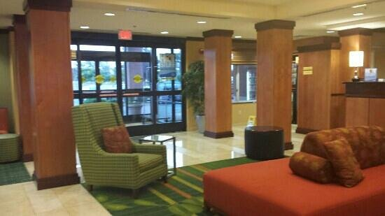 Fairfield Inn & Suites Santa Maria : Lobby area...