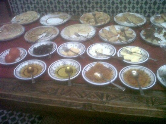 Riad Dar Tafilalet: Desayuno buffet
