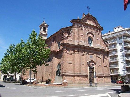 Rondissone, Italy: Parrocchia San Vincenzo e Anastasio