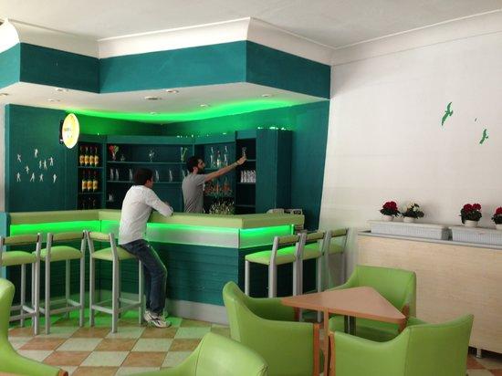 Santur Hotel: Bar