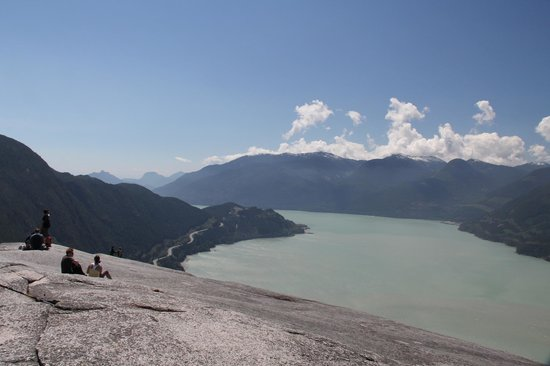 Stawamus Chief Park : Check out the view - and the spooky slope