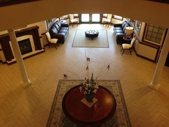 Oakwood Resort : First floor gathering area by fireplace