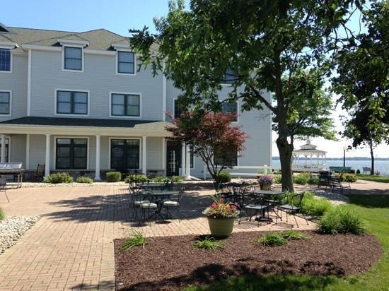 Oakwood Resort: outdoor patio