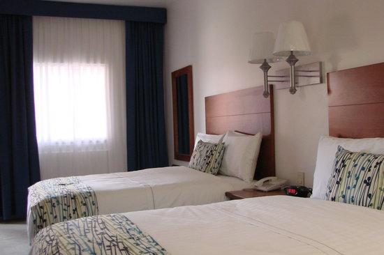 Booye Hotel : HABITACIONES MUY COMADAS Y CONFORTABLES