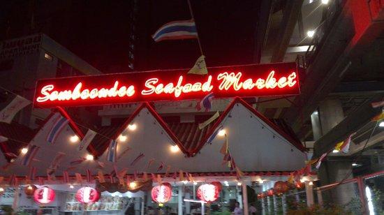 Somboondee Seafood Restaurant: restoran penipu (scam)