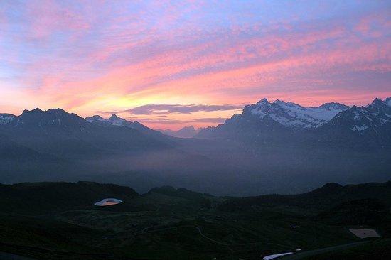 Berghaus Maennlichen: sunrise over the valley of Grindelwald