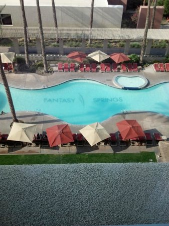 Fantasy Springs Resort Casino: Pool view from the 8th floor
