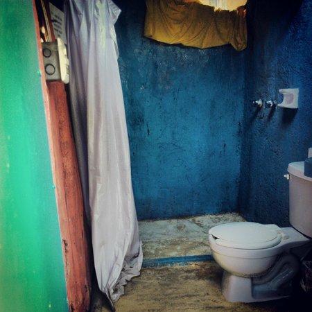 Calm Cabins Tulum : Shared Bathroom