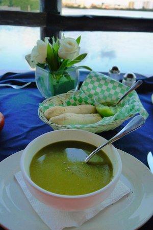 La Palapa Belga restaurant. Healthy spinach cream soup.