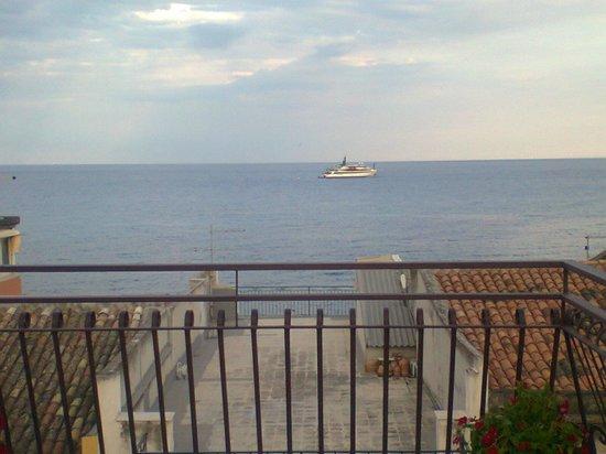 Il Girasole B&B: vista sul mare jonio