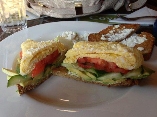 Xetava Gardens Cafe: Farm fresh eggs with organic veggies & feta