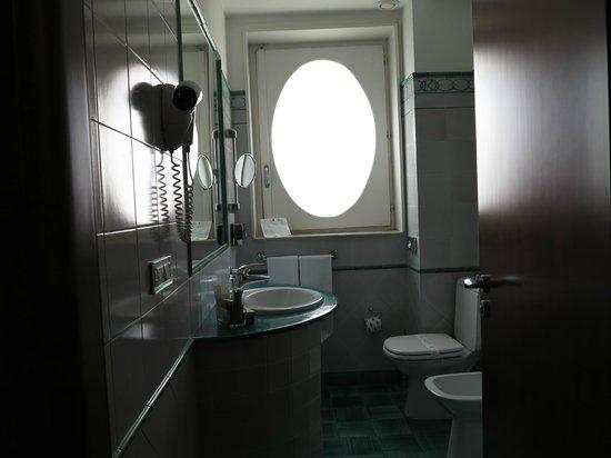 Antico Hotel Roma 1880: La salle de bains
