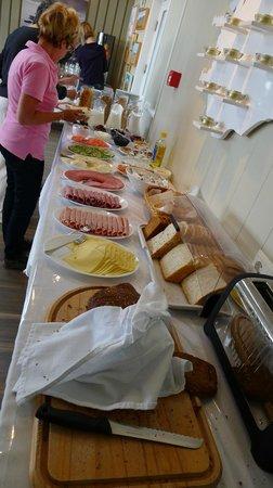 Fosshotel Hellnar: Breakfast is included