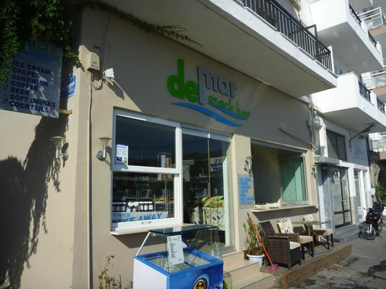 DEL MAR SNACK BAR: Cafe Del Mar