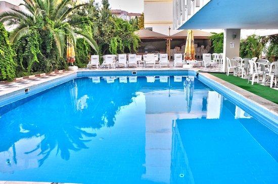 Santur Hotel: POOL