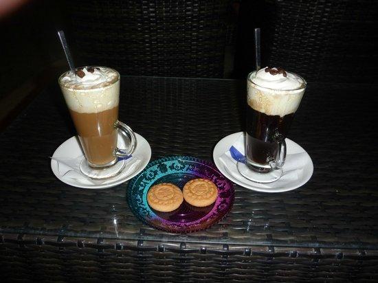 DEL MAR SNACK BAR: Lovely Coffee's