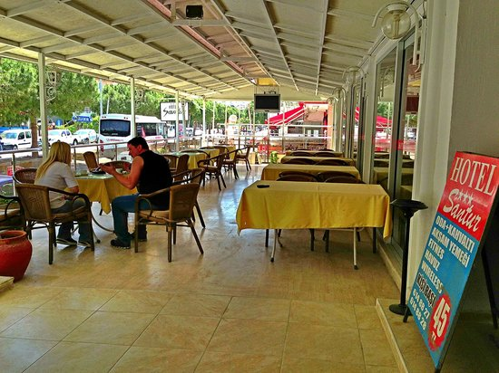 Santur Hotel: CAFE