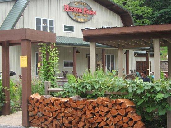 Heston Farm's Foxfire Restaurant: Heston Winery