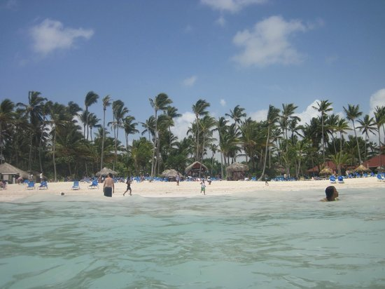 Bavaro Princess All Suites Resort, Spa & Casino: Beach area