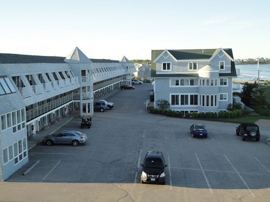 Anchorage Inn: From balcony towards other buildings