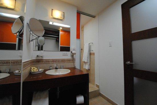 Hotel La Mansion: Baño suite Bogotá