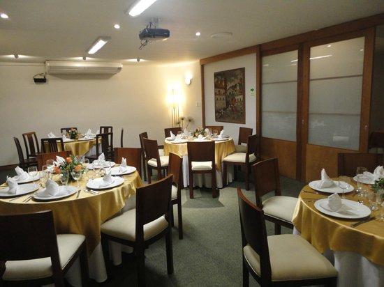 Hotel La Mansion: Salón recepciones-Matrimonio