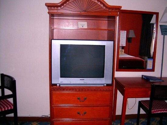 Budget Inn Okeechobee: TV