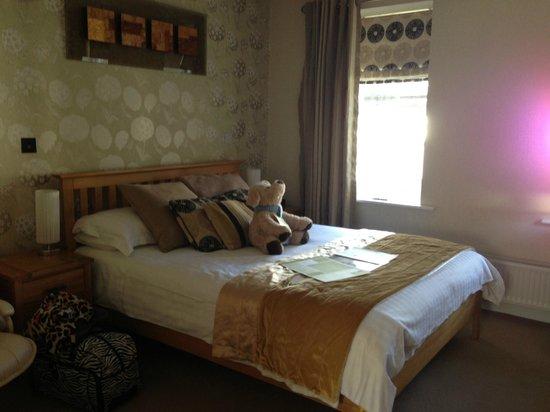 Georgian House Hotel: Queen Bed Room