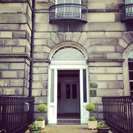 Adria House: Front door