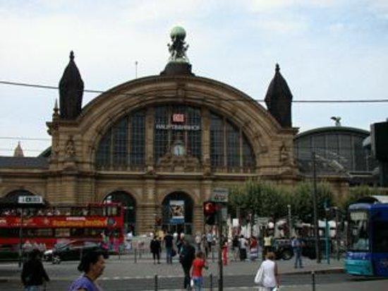 Ibis Frankfurt Centrum: Frankfurt Hauptbahnhof