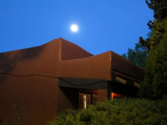 Thunderbird Lodge : moon over lodge