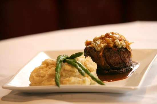 Guiseppe's Grille: Filet Angelo