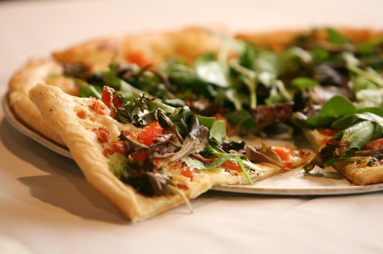 Guiseppe's Grille: BLT Pizza
