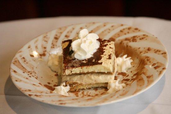 Guiseppe's Grille: Tiramisu