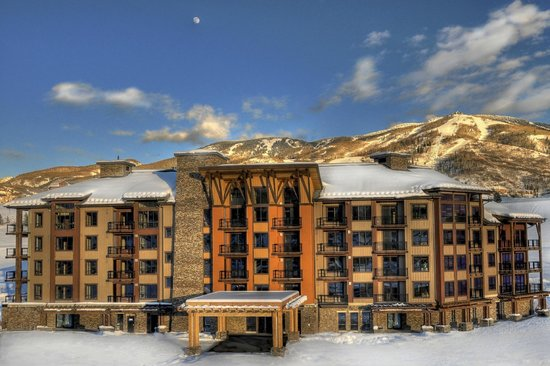 Trailhead Lodge: Trailhead Winter Exterior