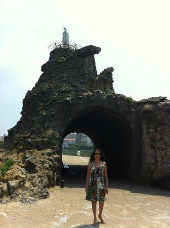 Gorilla Trip- Day tour: Biarritz France