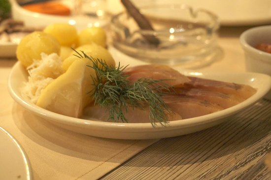 Expedition: Boiled potatoes with cured fish
