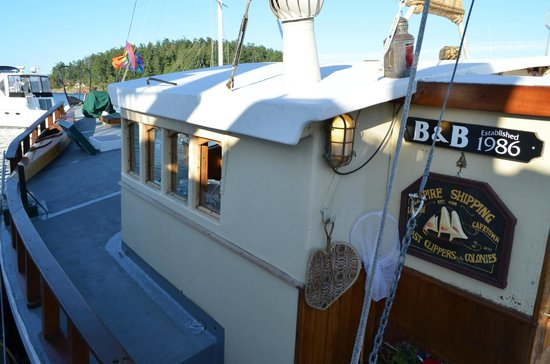 Wharfside Bed and Breakfast Aboard the Slowseason