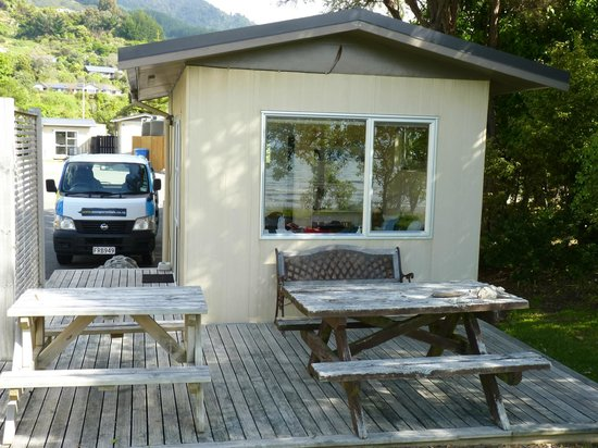 Pohara Beach Top 10 Holiday Park : Looking at the cabin from the back....